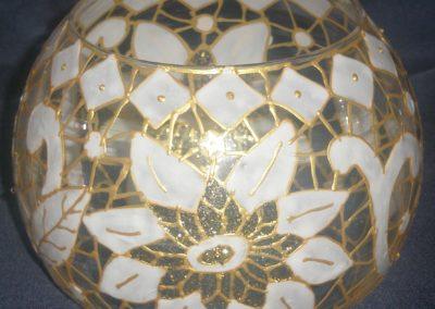 Zlatna vaza za cvijeće